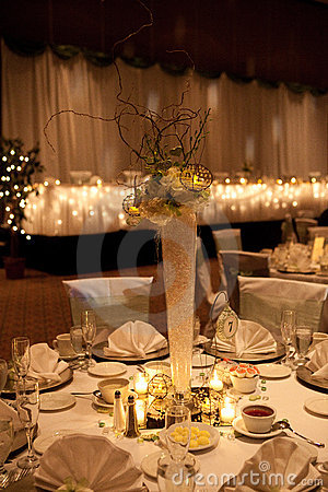 Free Wedding Banquet Centrepiece Royalty Free Stock Photo - 16123625