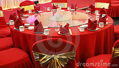 Wedding banquet table setting