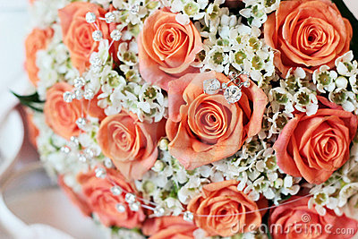 Wedding bouquet and jewels