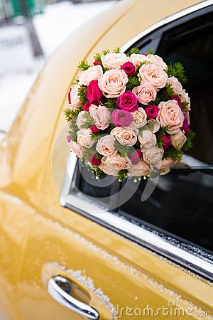 Wedding bouquet of limousine