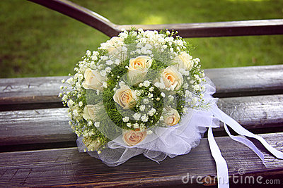 wedding bouquet with white bow