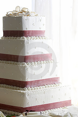 Free Wedding Cake Royalty Free Stock Photo - 1661275