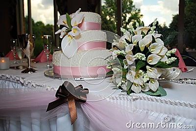 Wedding Cake Table 3