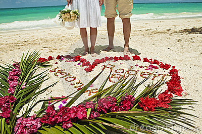 Wedding couple in Caribbean beach