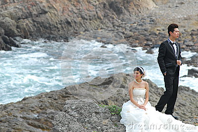 Wedding couple at cliff