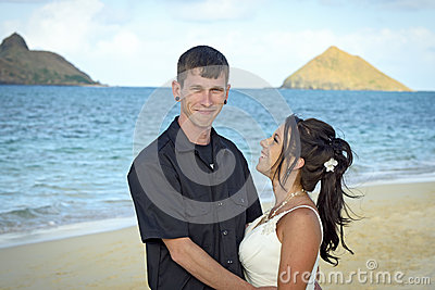 Wedding couple on lanikai beach