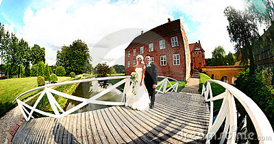 Wedding couple panoramic