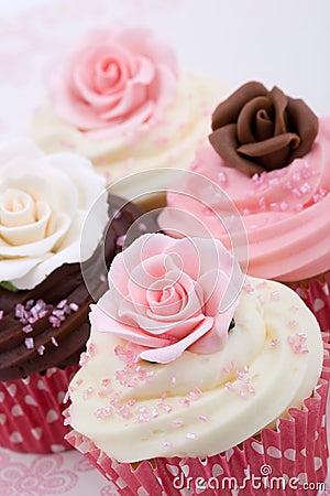 Free Wedding Cupcakes Royalty Free Stock Photo - 11640415