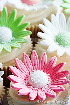 Wedding Cupcakes Stock Photos - Image: 19158343