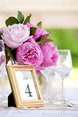 Free Wedding Flower Arrangement Table Setting Series Royalty Free Stock Photo - 23711475