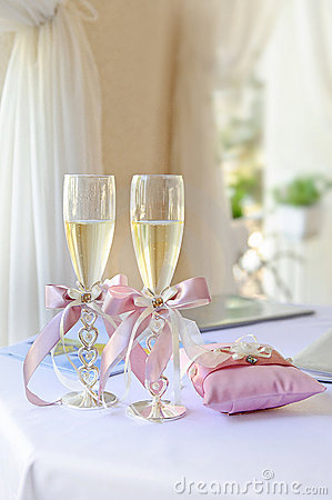 Free Wedding Glasses Stock Photos - 17530983