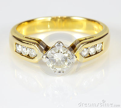 Wedding gold diamond ring