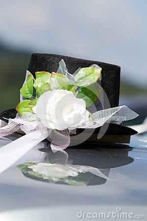 Wedding grooms car decoration