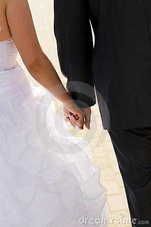 Wedding hands of the enamoured
