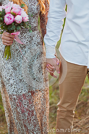 Free Wedding Hands Of The Enamoured Royalty Free Stock Images - 54947529