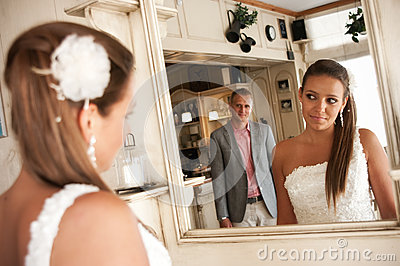 Wedding mirror couple