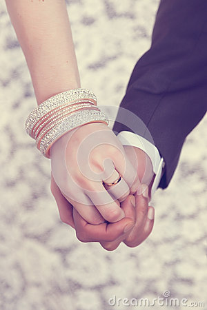 Free Wedding Ring On Hand Stock Photo - 40985380
