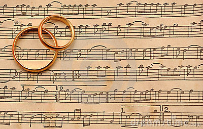 Wedding rings on music