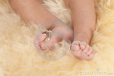 Wedding rings toes
