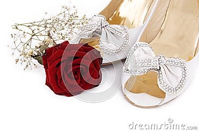 العرايس wedding-shoes-and-roses-thumb16349642.jpg