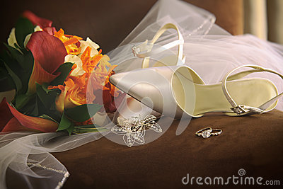 Wedding shoes with veil and rings