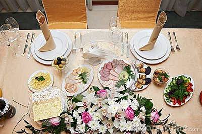 Wedding table for newlyweds