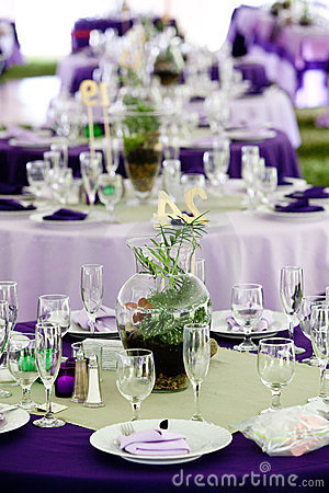 Wedding tables in Green and Purple