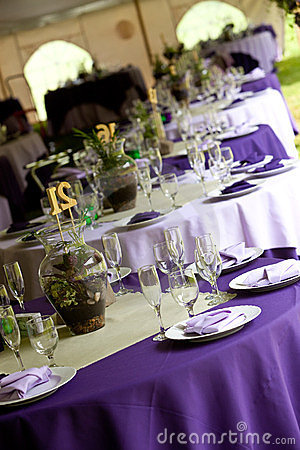 Wedding tables in purple and green