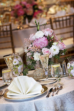 Free Wedding Tables Set For Fine Dining Royalty Free Stock Photo - 1571125