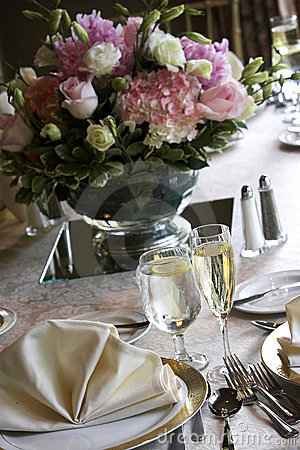 Free Wedding Tables Set For Fine Dining Royalty Free Stock Image - 1571196