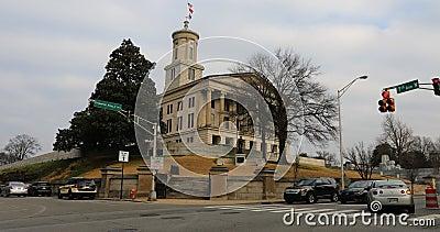 Weergeven van het Tennessee State Capitol-gebouw in Nashville 4K stock footage