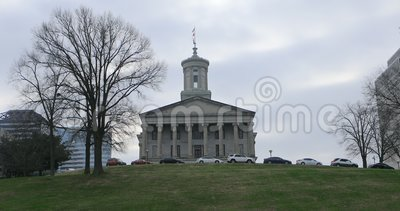 Weergeven van Tennessee State Capitol-de bouw in Nashville 4K stock video