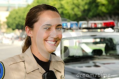 Weibliche Polizeibeamte