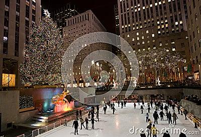 weihnachtsbaum in new york redaktionelles stockfotografie bild 7405517. Black Bedroom Furniture Sets. Home Design Ideas