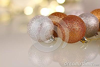 Weihnachtsflitter mit Reflexion