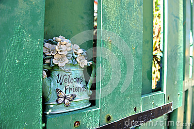 Welcome friends decoration