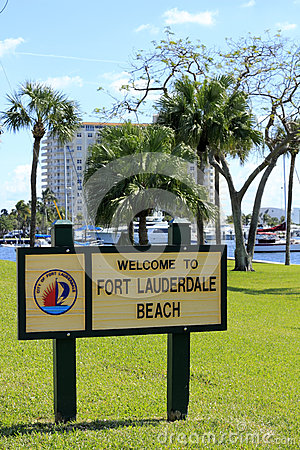 Welcome to Fort Lauderdale Beach Sign Editorial Stock Photo