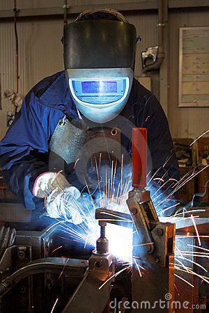 Free Welder In A Factory Royalty Free Stock Photos - 3568528