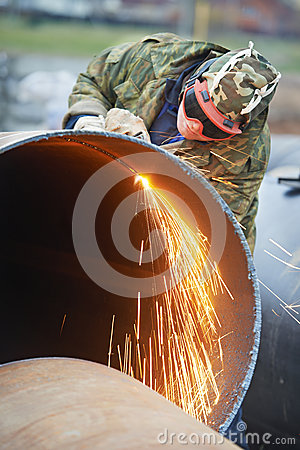 Free Welder Worker With Flame Torch Cutter Stock Photos - 34101973