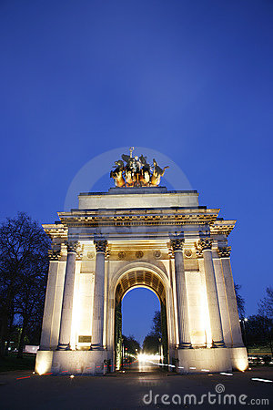 The Wellington Arch at Night