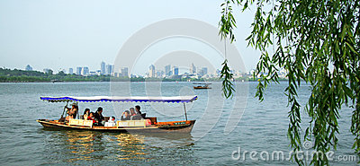 West Lake in Hangzhou Editorial Photo