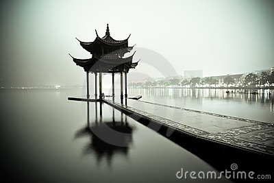 West lake of hangzhou at night