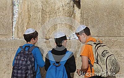 Westelijke muur (Loeiende Muur) Jeruzalem Redactionele Fotografie