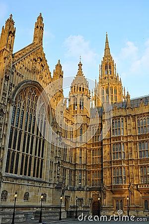 Westminster: puntige torens van het Parlement, Londen