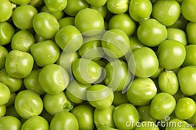 Wet green peas