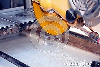Wet saw cutter