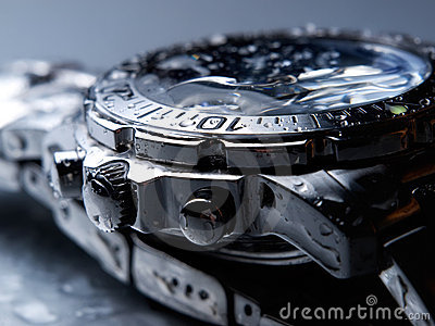 Wet wrist watch