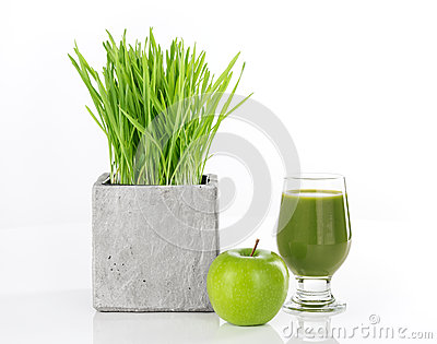 Wheatgrass, apple and green juice