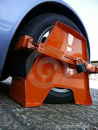Wheel Clamp close