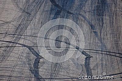 Wheel spin marks